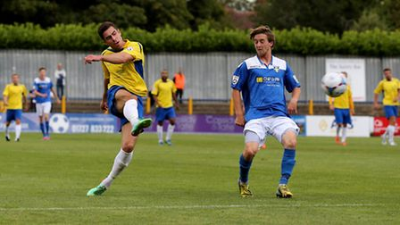 Steve Wales has a shot at goal. Picture: Leigh Page