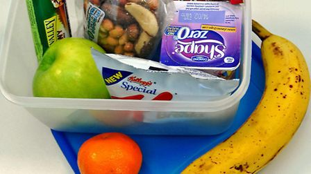 Example of a healthy school lunch box.
