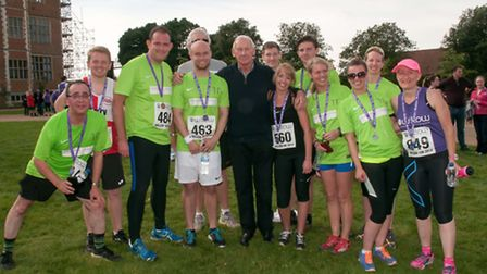 the Debenhams Ottaway Willow 10K running team photo by Kevin Lines Photography