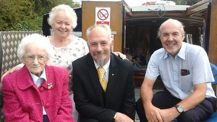 (L to R) Shirley, Mabel''s daughter, Mabel, Michael, Shirley''s cousin and Colin, Shirley''s husband