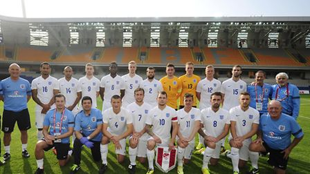 The England team and staff line up prior to kick off. PHOTO: - Mandatory by-line: Harry Trump/Pinnac