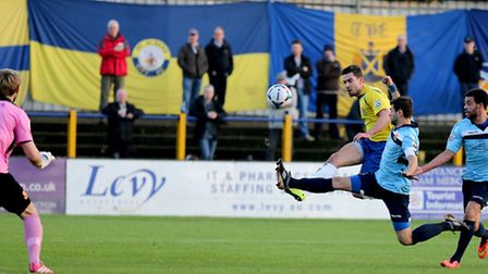 Steve Wales hits the post early on. Picture: Leigh Page