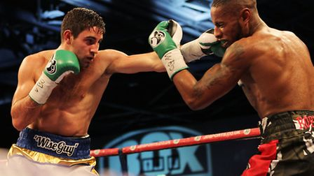 Frank Buglioni lands another straight left