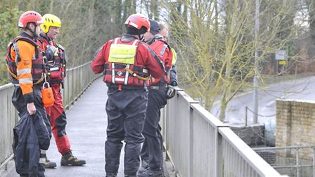 Search and Rescue teams, from Spartan, and CamSAR, at Mill Lane, Little Paxton,