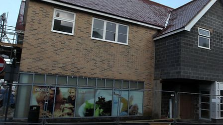 A Tesco Express will open its doors in Royston town centre by the end of the month.