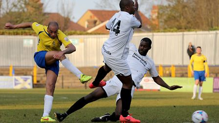 Simon Thomas has a shot at goal. Picture: Leigh Page