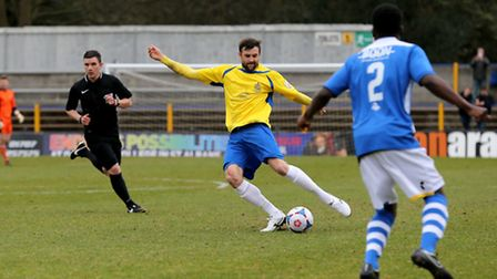 Darren Locke looks for a long pass. Picture: Leigh Page