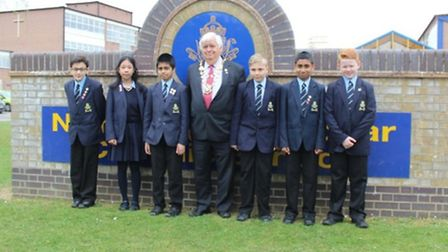 Mayor with Year 7 finalists