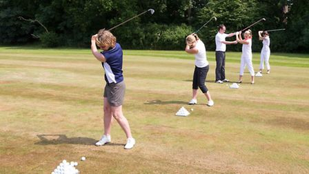 Aldwickbury Park is re-introducing its free golf lessons.