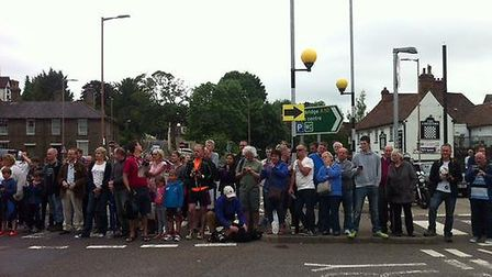 Crowds gather near to The Boars Head in Royston to watch the Aviva Women's Tour