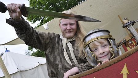 Godmanchester Primary School Roman Day Fete, The Vicus soldier Chris Wyre, with Ronnie, a Year 3 pup