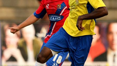 Omar Beckles carries the ball forward. Picture: Leigh Page