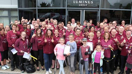Luminus employees volunteered their time to take the Big Tidy Up and CommuniTEA Challenge to Oxmoor,