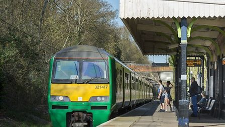 A London Midland class 321 pulls into Bricket Wood station with a service to Watford Junction
