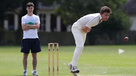 Martin Leary bowls for Royston