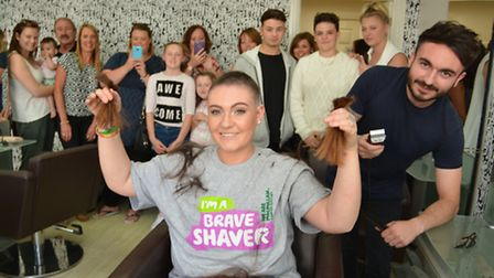 Brave The Shave, at Niro,St Neots, Natasha Lagusz, fundraising for Macmillan, with Barber Ricky Mart