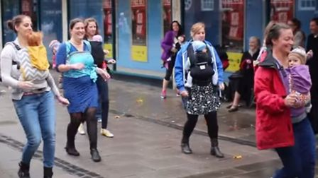 St Albans mums stormed the city centre for a flashmob on Wednesday (7)