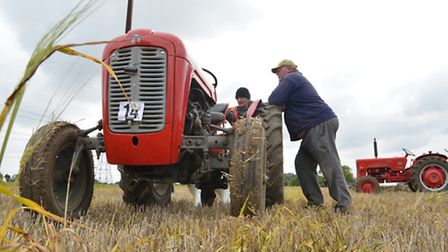The Odd Wheel Club, working day, at Wood Farm, Hail Weston, (l-r) Bob Morris, from Raunds, and Melvy
