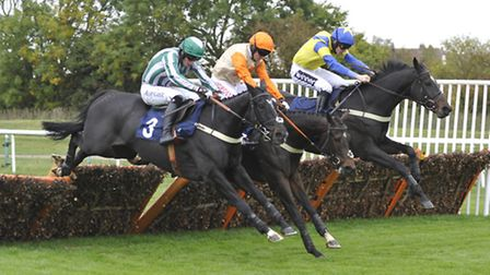 A thrilling finish to the 32Red Casino Handicap Hurdle at Huntingdon Racecourse on Tuesday, won by I
