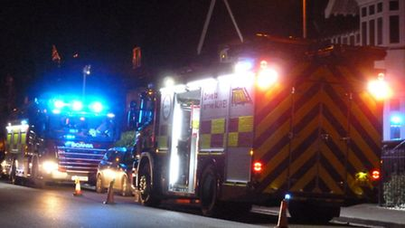 After a tree fell in high winds onto live cables in St Albans, local firefighters extinguished the f