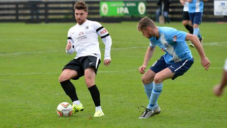 May threads a pass through for Royston