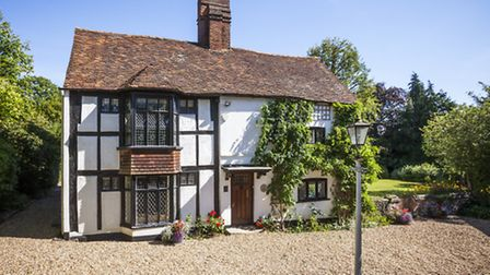 This stunning period home is located on Crabtree Lane, Harpenden