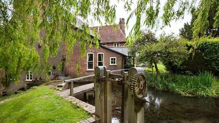 Redbournbury Mill offers purchasers the very rare opportunity to acquire a fine example of a histori