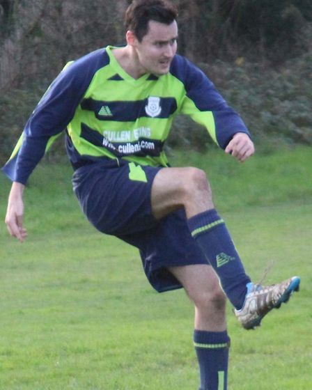 Ian Hutchinson scored for Cannon Reserves as they defeated CHL