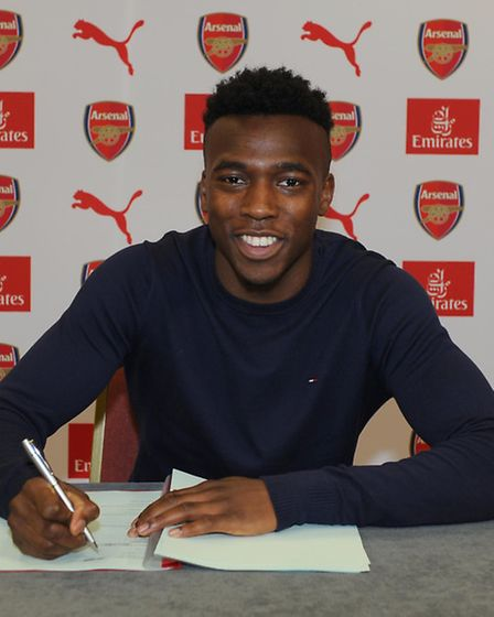 Tolaji Bola signs a new contract for Arsenal. Picture: Arsenal Football Club/David Price