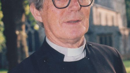Tributes have been paid to Dennis Hart, a former vicar of St Saviour's in St Albans, who has died ag
