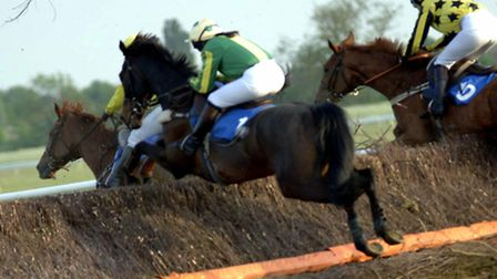 Win tickets for Mother's Day at Huntingdon Racecourse