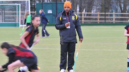 South African international hockey player Lance Louw coaches year 7, 8 and 9 girls at Beaumont Schoo