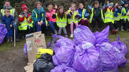 The Redbourn Beavers helped the Park Street Pickers