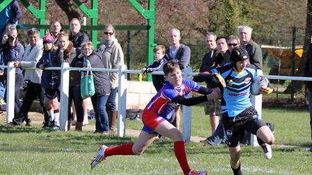 Centurions find a gap to score a try