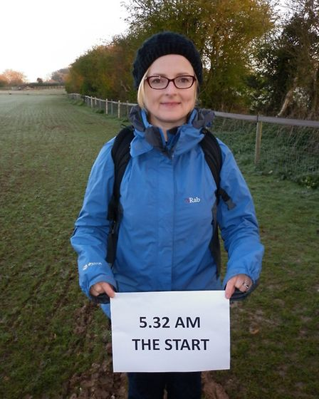 St Albans mumTracey McCarrick sets off on her 15 hour challenge in aid of her brother Roger at Heart