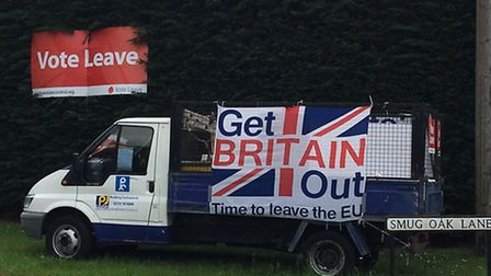 Joe Carter has been showing his support for the Leave campaign