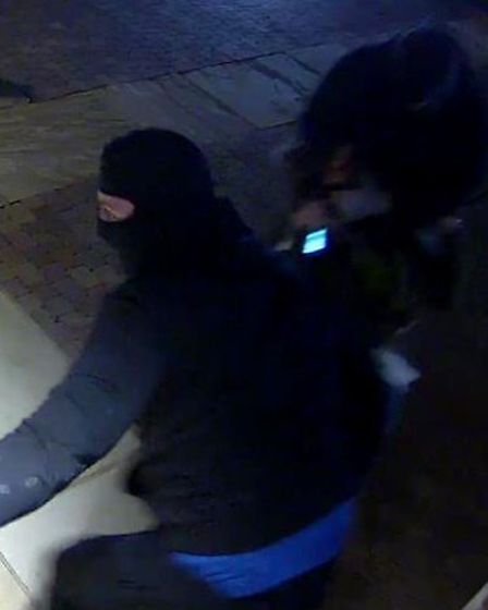 Herts Police officers who are investigating a robbery in Harpenden have released CCTV as part of the