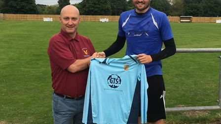 New Eaton Socon signing Lee Bassett (right) with manager Mark Spavins.