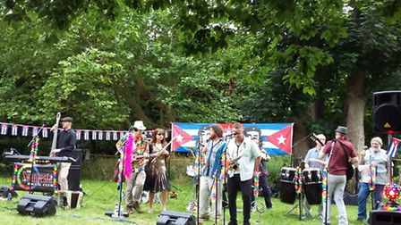 St Michael's Folk Evening is held on the first Wednesday of July each year in St Albans: Swanvesta S