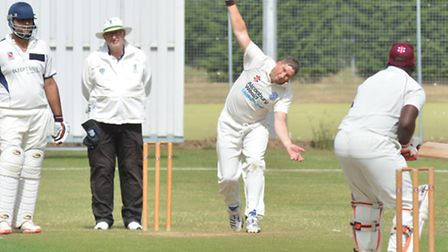 Shaun Asplin took two wickets and hit the winning runs for St Ives against Huntingdon & District. Pi