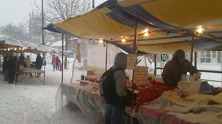 Snow hits St Albans market December 18 2010