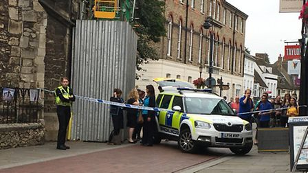 Huntingdon High Street cordoned off following reports of a 'suspicious package' at Barclays bank