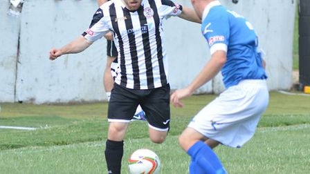 Ben Seymour-Shove scored in his 100th appearance for St Ives Town.