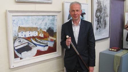 Dave Nelson winning the Hertford Open prize in 2014