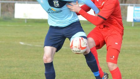 High-scoring striker Arran Mackay has snubbed a higher-level move to stay at Godmanchester Rovers.