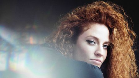 Jess Glynne will appear at Newmarket Racecourses in the summer of 2017