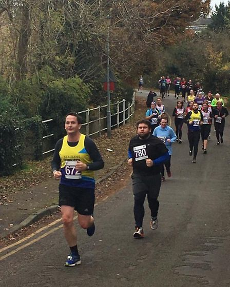 Tim Searle and Wendy Walsh in action at the Hatfield five mile. Picture: H.BULL