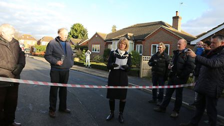 Re-opening of Fontmell Close, St Alban's, AL3 5HU after repairs following a sinkhole. Mayor Frances