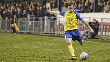Tom Bender puts a cross in. Picture: LEIGH PAGE