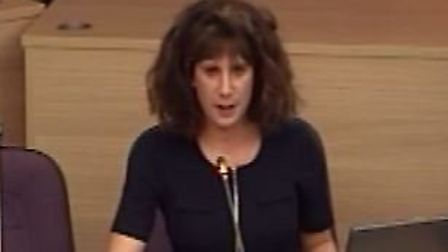 St Albans mum Laura-Jane Bortone speaking about the Thameslink service at a recent committee meeting